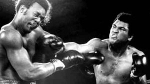 MUHAMMAD ALI ROCKS GEORGE FOREMAN ON THE JAW